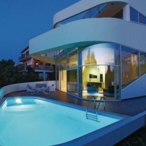 High Tech Villa Kroatien Abend