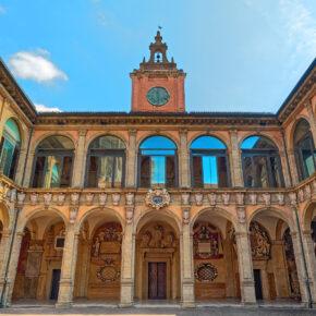 Wochenendtrip: 3 Tage Bologna über's Wochenende mit Apartment & Flug nur 48€