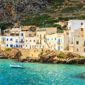 Sizilien: 8 Tage im 4* Hotel am Meer mit Frühstück, Infinity-Pool & Flug nur 185€