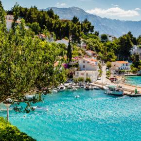 Urlaub mit Freunden: 8 Tage Kroatien in Ferienvilla mit Meerblick, Infinity-Pool ab 179€ p.P.