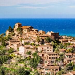 Lastminute in den Süden: 7 Tage Mallorca im sehr guten 3* Hotel mit Halbpension & Flug für 165€