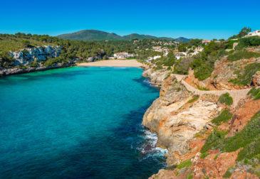 Die Insel wartet: 7 Tage auf Mallorca im 5* Hotel mit Halbpension, Flug, Transfer & Zug fü...