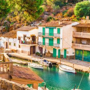 Winter auf den Balearen: 7 Tage Mallorca im TOP 4.5* Hotel mit Halbpension, Flug, Transfer & Zug nur 232€