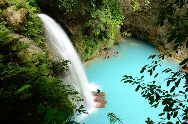 Philippinen Blauer Wasserfall