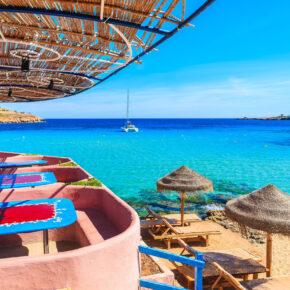 Extravagant: 4 Tage Ibiza in TOP 4* Design-Juniorsuite mit Frühstück für 192€
