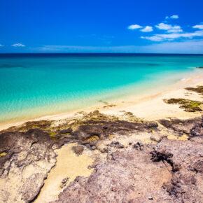 Single Urlaub Kanaren: 5 Tage Fuerteventura im 4* Hotel mit All Inclusive, Flug, Transfer & Zug für 387€