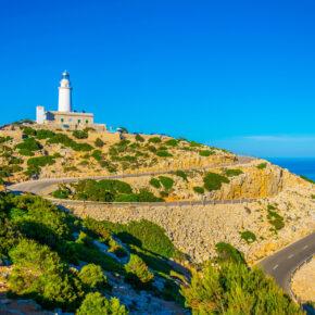 Spanien Mallorca Port de Pollenca Leuchtturm