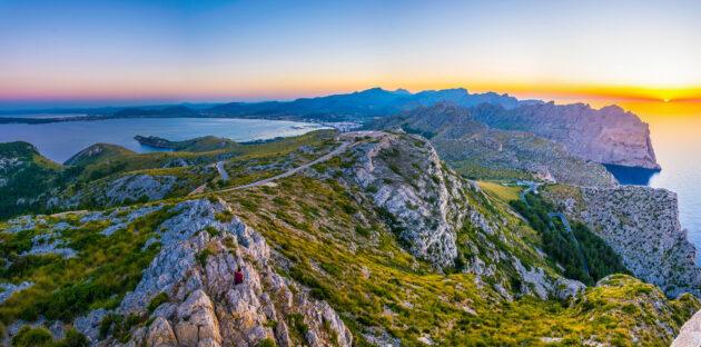 Spanien Mallorca Port de Pollenca Sonnenuntergang