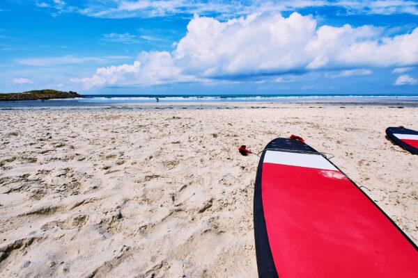 Frankreich Bretagne Surfer
