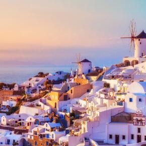 Santorini Frühbucher: 8 Tage Griechenland in TOP 3* Villa & Flug nur 223€