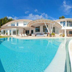 Mallorca: 8 Tage in eigener Luxus-Villa mit Meerblick & Infinity-Pool für 1.387€