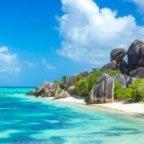 Einfach traumhaft: 14 Tage auf die Seychellen mit 3* Hotel, Frühstück, Flug, Transfer & Zug für 1.336€