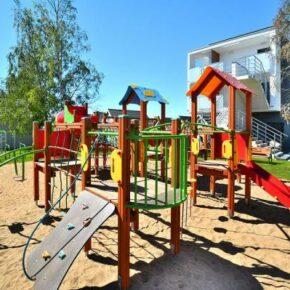 Sianozety Ferienhaus Spielplatz
