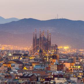 Kurztrip Barcelona: 3 Tage im neu eröffneten, zentralen 5* Hotel mit Flug nur 109€