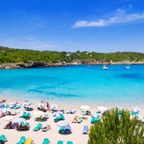 Kurzurlaub auf Ibiza: 3 Tage auf der Hippie-Insel im 3.5* Hotel mit Flug nur 63€