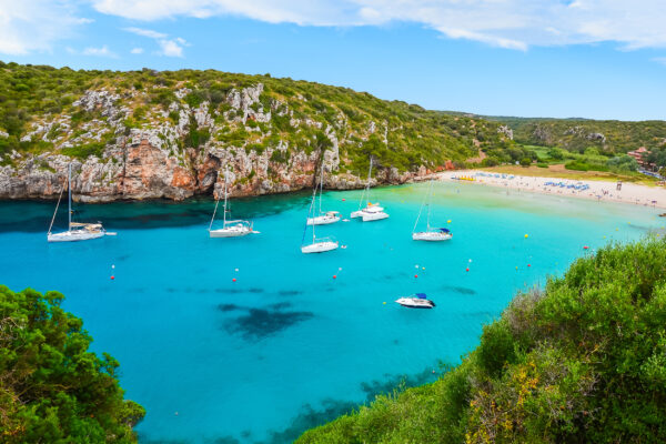 Spanien Menorca Cala Porter Boote