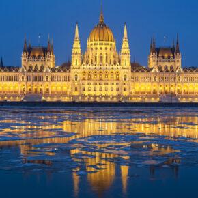 Wochenendtrip: 3 Tage Budapest inkl. Unterkunft, Frühstück, Flug & Thermalbad-Eintritt nur 63€
