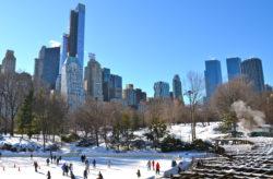 New York City zur Weihnachtszeit: 8 Tage im zentralen Hotel mit Frühstück & Flug für 650€