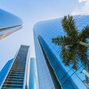 Luxusurlaub in Abu Dhabi: 7 Tage im TOP 5* Burj Al Sarab mit Flug & Transfer nur 380€
