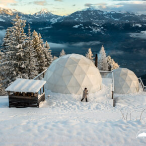 Glamping in der Schweiz: 2 Tage im luxuriösen Whitepod mit Frühstück nur 184€