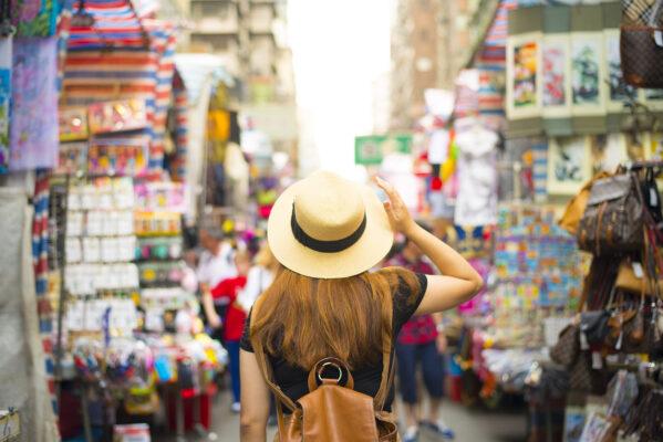 China Backpacking Hongkong Frau