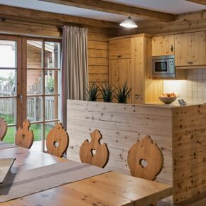 Holzlebn Charlets Küche