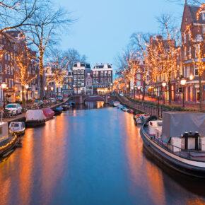 Niederlande Amsterdam Lichter Kanal