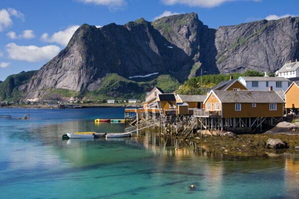 Norwegen Lofoten Fischerdorf