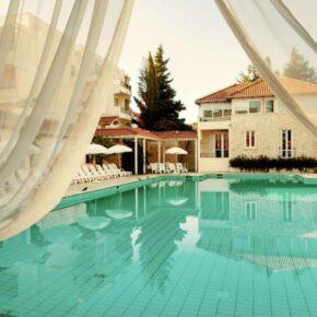Kroatien: 8 Tage in Dalmatien im 4* AWARD Hotel mit All Inclusive, Flug & Zug nur 361€