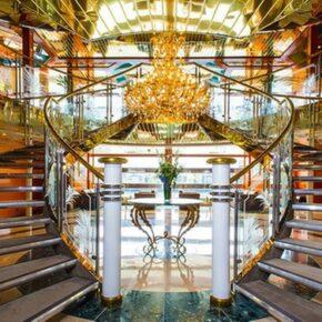 Sunborn Yacht Treppe