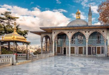 Langes Wochenende in Istanbul: 4 Tage im TOP 4* Hotel mit Frühstück & Flug nur 160€
