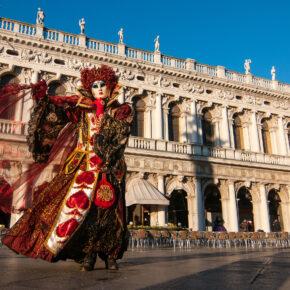 Karneval in Venedig: Historische Tradition & moderne Besucherattraktion
