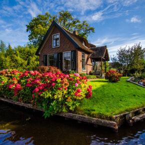 """Giethoorn: Tipps für einen Tagesausflug in das """"grüne Venedig"""""""