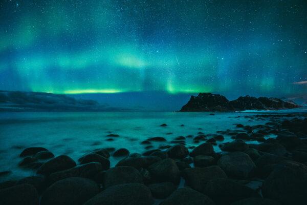 norwegen lofoten uttakleiv beach polarlichter