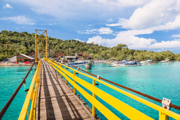 Nusa Lembongan Gelbe Brücke