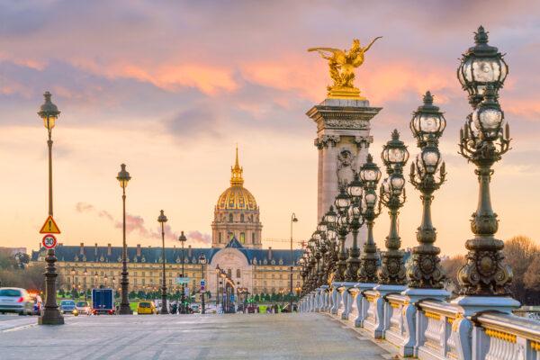 Frankreich Paris Bruecke gold
