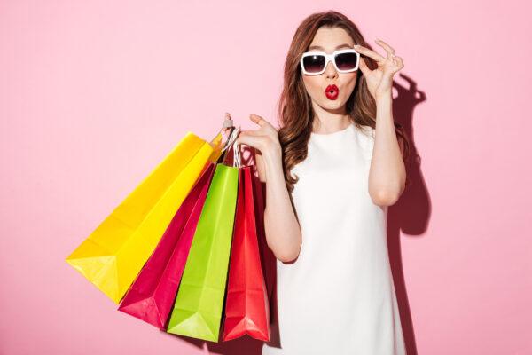 Shopping Friday Tüten Frau