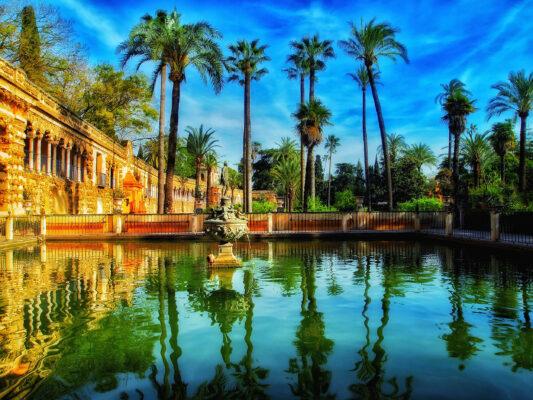 Spanien Sevilla Garten Sommer