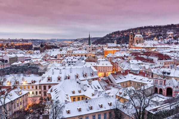 Tschechien Prag Haueser Schnee