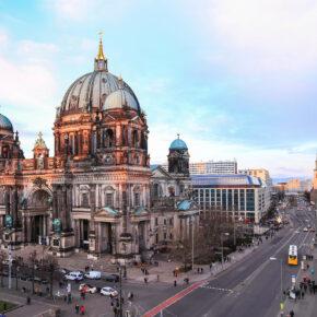 Luxus-Kurztrip nach Berlin: 2 Tage im 5* Superior Schlosshotel mit Frühstück & Extras für 94€
