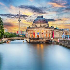 Kurztrip: 2 Tage Berlin im neueröffneten TOP 4* Hotel mit Frühstück, kostenfreier Minibar & Extras ab 49€