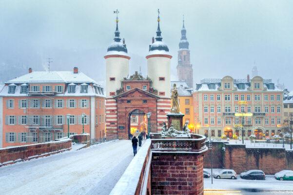 Heidelberg Bruecke Schnee