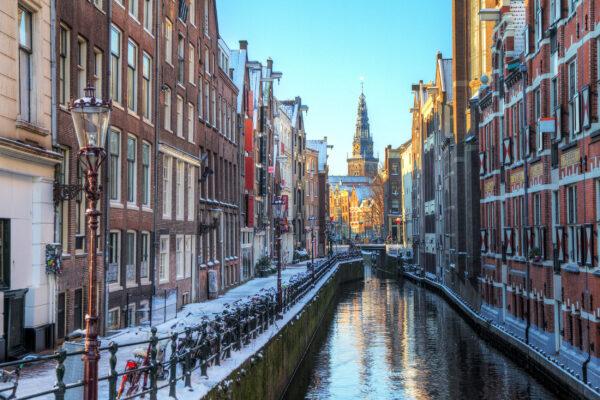 Niederlande Amsterdam Kanal Schnee