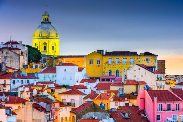 Portugal Lissabon Haeuser bunt