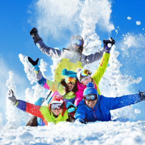 Packliste für den Skiurlaub: Alle Utensilien auf einen Blick