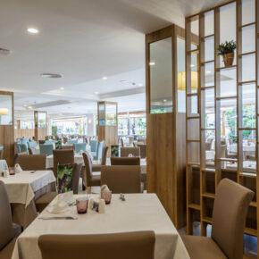 Zafiro Palmanova Restaurant