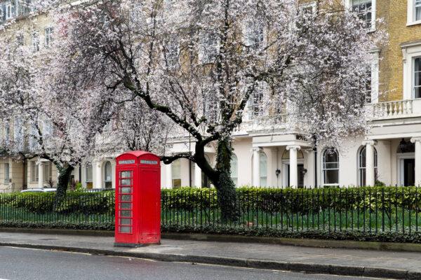 Großbritannien London Frühling Telefonzelle