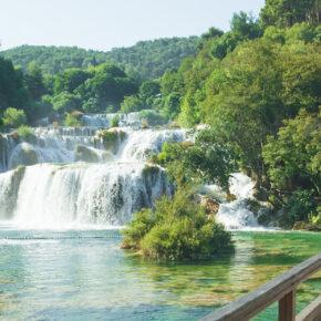 Langes Wochenende: 4 Tage Kroatien in eigenem Apartment mit Meerblick & Flug nur 40€