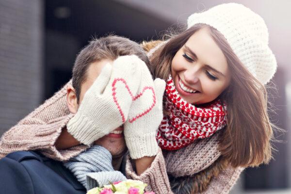 Valentinstag Liebespaar glücklich
