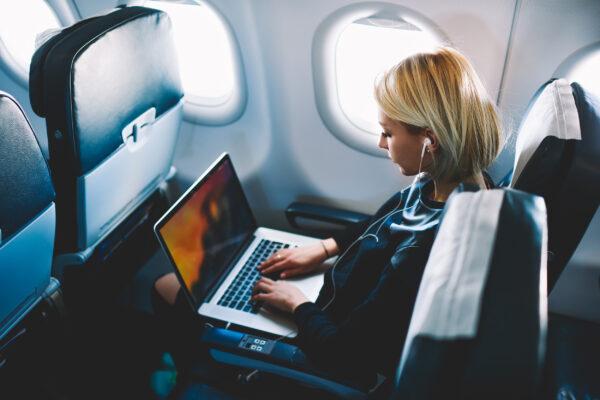 Frau Flugzeug